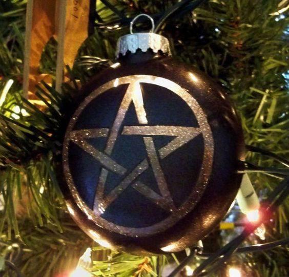 pagan christmas traditions